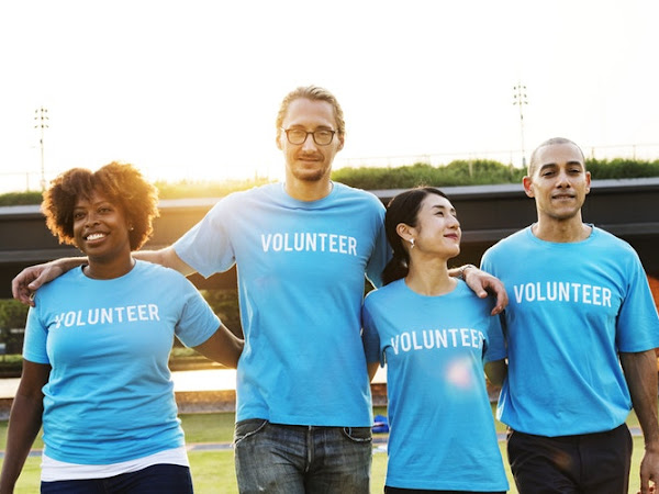 7 Small Acts of Charity That Can Make a Big Difference