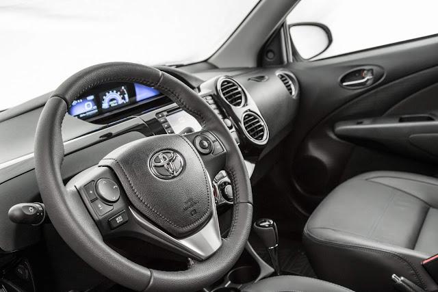 Toyota Etios 2017 Platinum Automático - interior