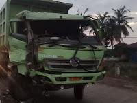 Truck PT. BRP Vs Truck PT Fajar Trans Bertabrakan di Jalan Poros Pelabuhan Biringkassi