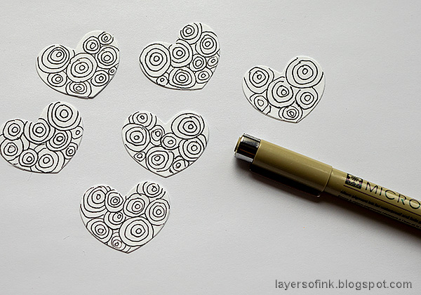 Layers of ink - Doodle Tag Tutorial by Anna-Karin Evaldsson. Doodle on the hearts.