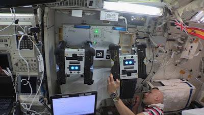 Agora, existem dois robôs voadores Astrobee da NASA trabalhando na ISS.