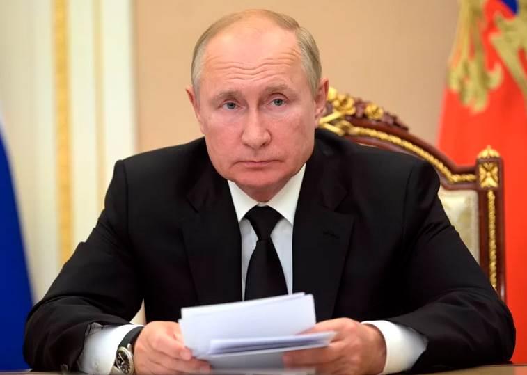 putin-russian-president-covid-19-self-isolation