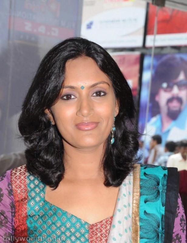 Devadarshini: Wallpapers Gallery: Devadarshini Kanchana Actress New