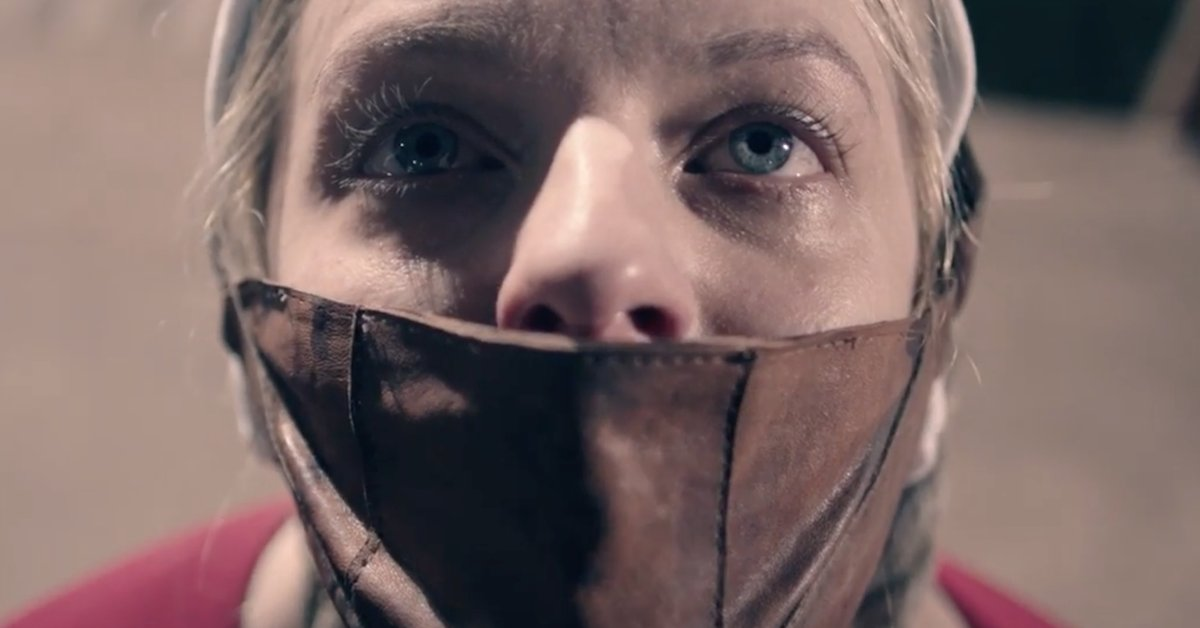 Elisabeth Moss es June en 'The Handmaid's Tale'