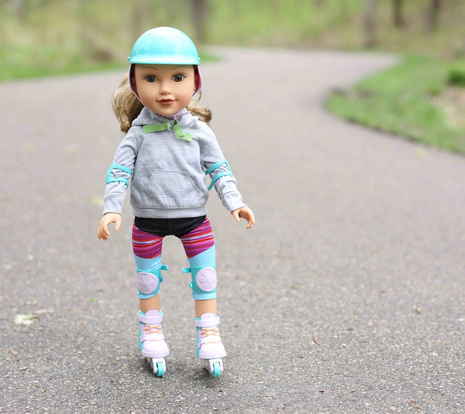 American Girl Doll Inline Skates and Gear Helmet Knee Elbow Pads NEW!!