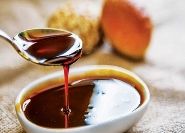 What are the benefits of grape molasses for pregnant women?
