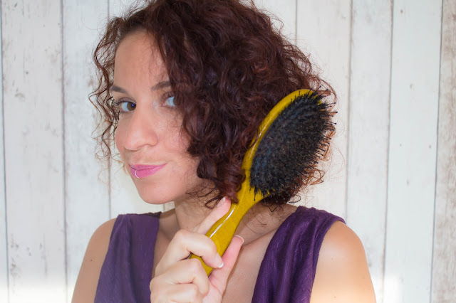 Dompter ses cheveux avec la brosse lissante SilkyBrush de Beautélive :)