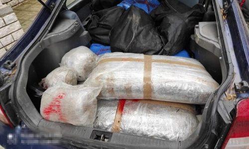Συντονισμένη επιχείρηση από αστυνομικούς του Τμήματος Δίωξης Ναρκωτικών της Υποδιεύθυνσης Ασφάλειας Ιωαννίνων πραγματοποιήθηκε σε περιοχή του λεκανοπεδίου Ιωαννίνων, κατά την οποία συνελήφθησαν δύο υπήκοοι Αλβανίας.