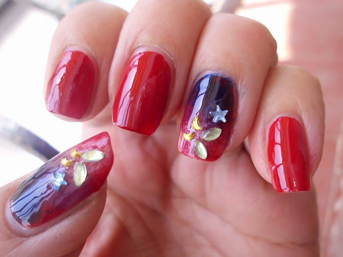 nails art con decoraciones