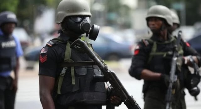 Police inspector goes crazy, shoots 5 to death, injures 4 in Enugu