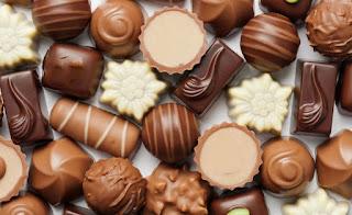 فوائد الشوكولاتة السوداء،فوائد الشوكولاتة الداكنة،الشوكولاتة السوداء،الشوكولاتة الداكنة،فوائد الشوكولاتة المرة،فوائد الشوكولاتة السوداء للقلب.فوائد الشوكولاتة السوداء للأطفال،فوائد الشوكولاتة النساء الحوامل،فوائد الشوكولاتة الداكنة للبشرة،فوائد الشوكولاتة للجنس،فوائد الشوكولاتة بالحليب،فوائد الشوكولاتة للرجال،فوائد الشوكولاتة السوداء قبل النوم،فوائد الشوكولاتة و أضرارها،أفضل أنواع الشوكولاتة،فوائد الشوكولاتة الصحية،فوائد الشوكولاتة الداكنة للبشرة،فوائد الشوكولاتة الداكنة للرجال و فوائد الشوكولاتة الداكنة للرجيم مثلا و فوائد الشوكولاتة السوداء قبل النوم،و فوائد الشوكولاتة الداكنة قبل التمرين،و كذالك فوائد الشوكولاتة الداكنة التخسيس، هل الشوكولاتة الداكنة تسمن؟ و هل الشوكولاتة الداكنة تقوي القدرة الجنسية الرجل،الشوكولاتة الداكنة،