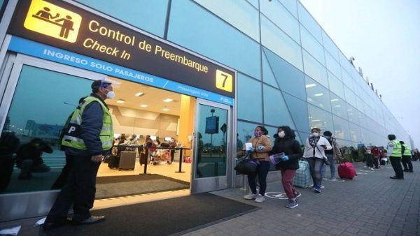Saludan en Perú reanudación de vuelos internacionales