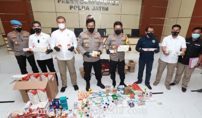 Kapolda Jatim; Satgas Gakkum Polda Menyita 43 Jenis Obat dan Vitamin yang dijual secara tidak sah