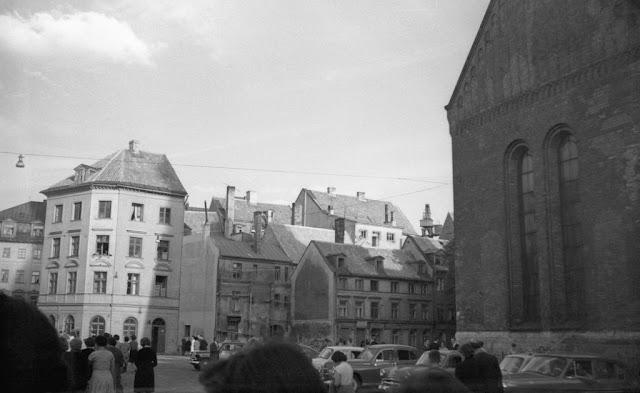 1963 год. Рига. На площади 17 Июня. На втором плане улица Яуниела