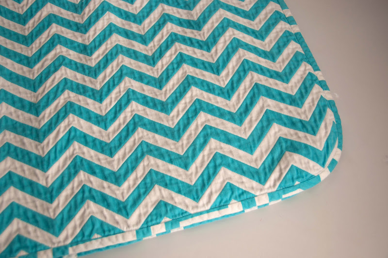 Aesthetic Nest: Sewing: Chevron Chenille Baby Blanket (Tutorial)