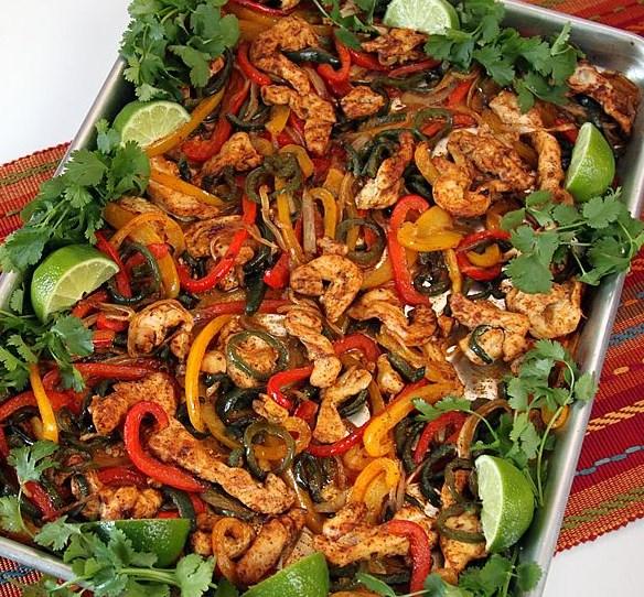 Easy, Oven-Baked Sheet Pan Chicken Fajitas #dinner #familyrecipes