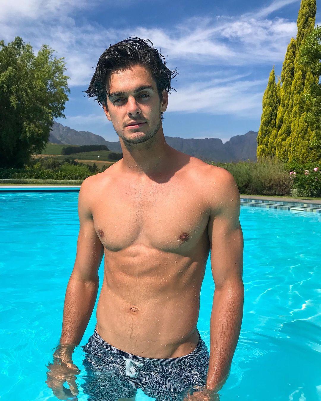 young-fit-shirtless-wet-body-dude-karl-kugelmann-pool-boy-pecs