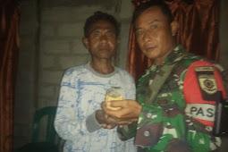 Warga Desa Saenan Serahkan Granat ke Satgas RI-RDTL Sektor Barat Yonarmed 6/3 Kostrad