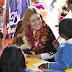 Fernanda Castillo visita a beneficiarios Mazahuas de desayunos escolares fríos