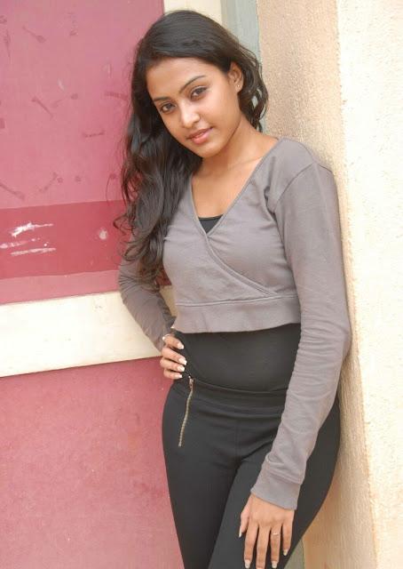 Ashwini Chandrashekar Tamil Actress Cute and Beautiful Pics Actress Trend