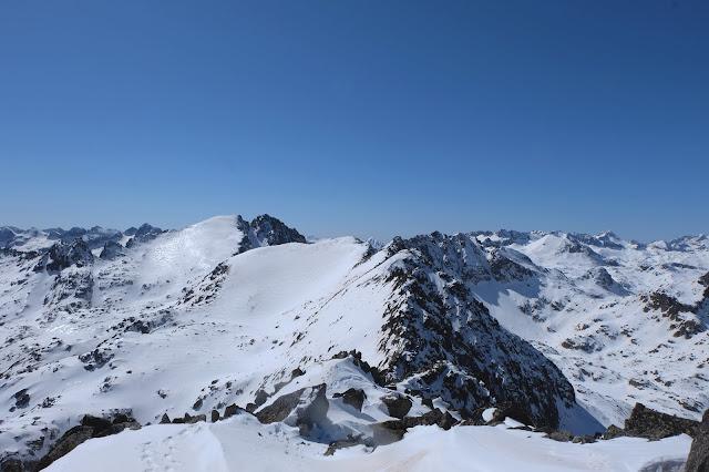 Vistes del Bassiero des del Pic de Xemeneies (2.828m) © Pol Puig Collderram