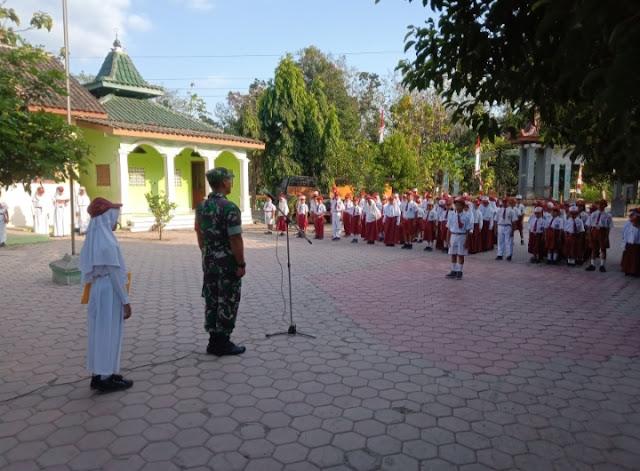Tanamkan Disiplin Lewat Kegiatan Upacara Bendera