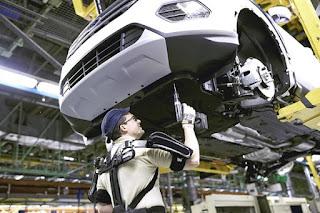 ¿Llegarán los exoesqueletos a los talleres de reparación de vehículos?