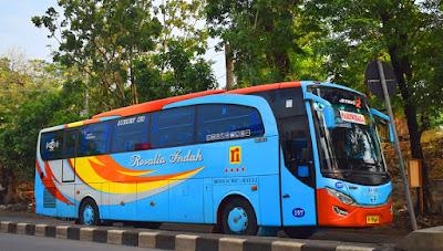 Foto Bus Rosalia Indah 197