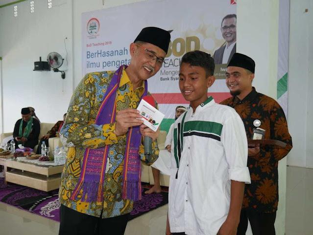 BNI Syariah BOD Teaching di Kampus Hidayatullah Ternate