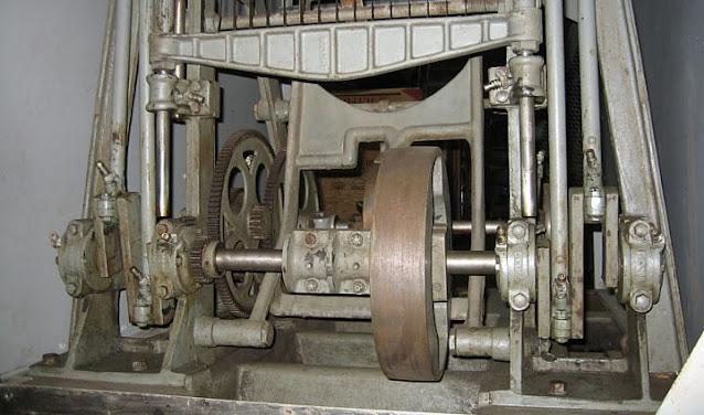 mesin pemotong roti Rohwedder