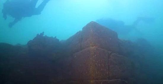 Misterioso Castelo de 3 mil anos é encontrado submerso na Turquia