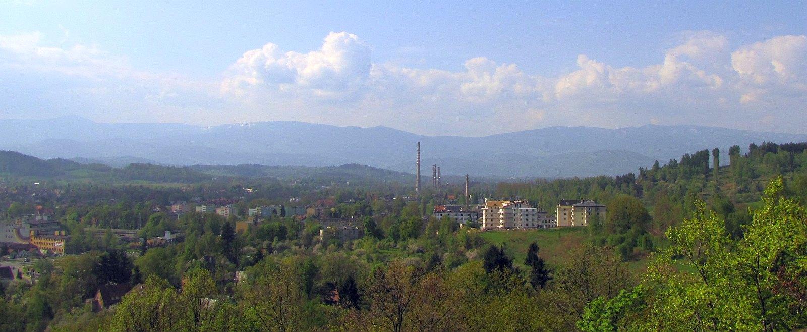 Panorama w stronę Karkonoszy (kliknij by powiększyć).