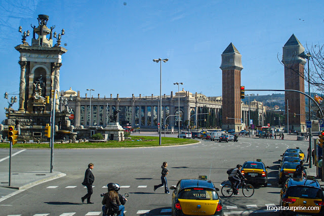 Plaça d'Espanya, paradas do Aerobús, ônibus do aeroporto para o Centro de Barcelona