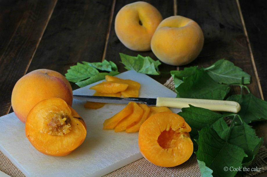 peaches, melocotones, duraznos