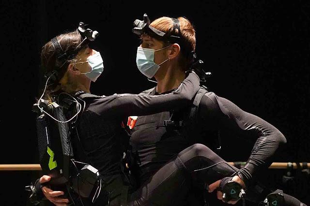 """Double proposition de Bianca Li avec son """"Bal de Paris"""" spectacle en réel et en réalité virtuelle"""