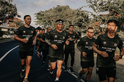 Run For Bali 374 KM, Pangdam IX/Udayana Dampingi Serka Gede Astawa di Kilometer 290