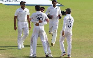 भारत रांची के जेएससीए क्रिकेट स्टेडियम में दक्षिण अफ्रीका के साथ  खेले जा रहे तीसरे टेस्ट मैच में जीत के काफी करीब पहुंच गया है। भारत को जीत के लिए मात्र 2 विकेट की दरकार है। तीसरे दिन सोमवार का खेल खत्म होने तक दक्षिण अफ्रीका ने दूसरी पारी में 132 रन पर 8 विकेट खो दिए ह