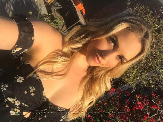Mia Malkova Sexy Lingerie Images Hot Boobs Cleavage Show