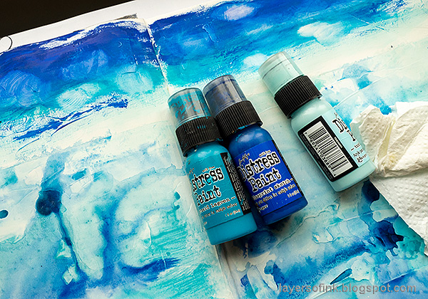 Layers of ink - Always Hope Seascape Art Journal Page Tutorial by Anna-Karin Evaldsson. Paint the sky.
