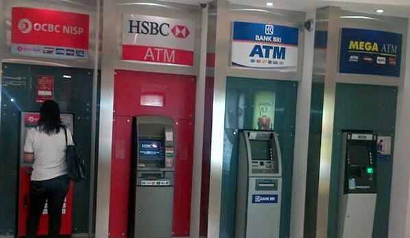 Ketika Ambil Uang Lewat ATM  Uang Tidk Keluar Saldo Kok Berkurang, Apa Yang Harus Dilakukan?