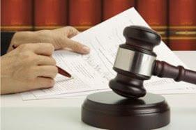 لايمكن اعتقال المحامي او وضعه تحت الحراسة النظرية الا بعد اشعار النقيب
