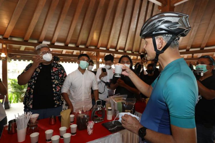 Bantu Petani Kopi, Ganjar Ajak Masyarakat Ikuti Magelang Coffee Fest