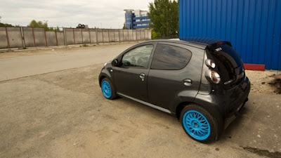 citybugblog my107 citroen c1 with blue wheels. Black Bedroom Furniture Sets. Home Design Ideas