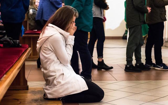 Nocne czuwanie dla młodzieży - kościół - parafia - Pyskowice, Zabrze, Bytom, Gliwice, parafia św. Mikołaja w Pyskowicach, parafia św. Pawła w Pyskowicach, parafia pw. MBNP w Pyskowicach.
