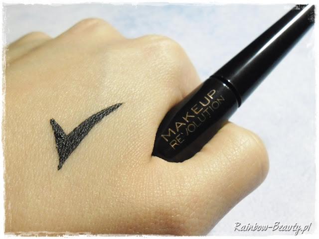 liquid-eyeliner-ultra-black-opinie-blog-makeup-revolution-london
