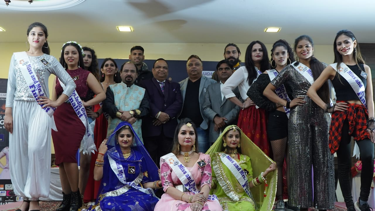 Models-showed-their-skills-in-the-talent-round-of-Miss-and-Mrs-India-Glam-Season-2