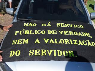 'Salário em Dia' realiza caminhada de protesto