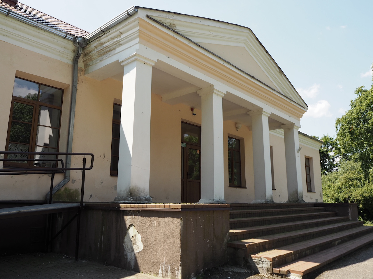 Pikeliškių dvaro fasadas