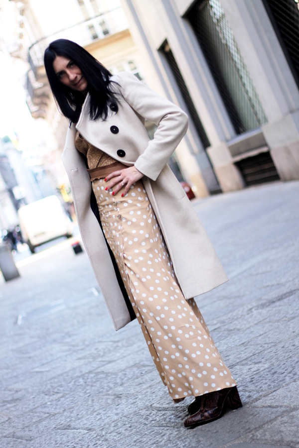 mix and match, outfit, mix and match, gonna a pois, outfit da ufficio, look, lookoftheday, outfitoftheday, paola buonacara, fashionblogger, italianfashionblogger, themorasmoothie, influencer, outfit pois, skirt pois, look in beige, beige look, outfit beige, look primaverile