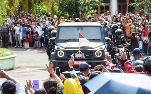 Saleh Daulay: Kerumunan Di NTT Membahayakan Jokowi Dan Rakyat, Protokoler Harus Tanggung Jawab